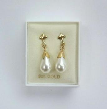 9 Carat Gold Teardrop Pearl Dangle Earrings